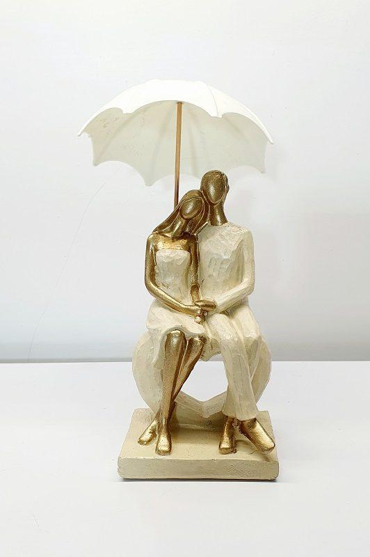 مجسمه چتردار