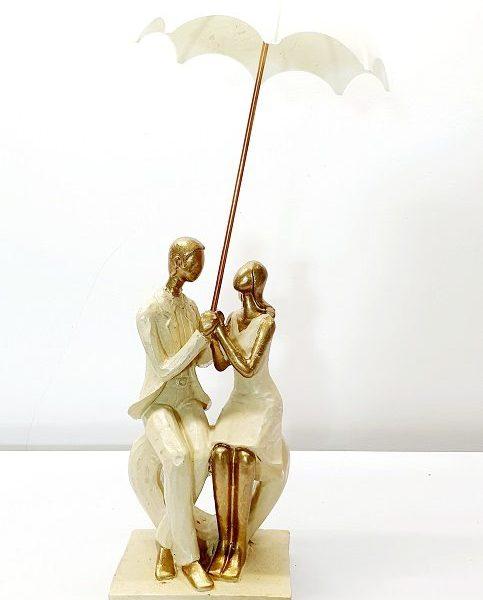 مجسمه چتر دار